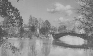 ABC-bron i Skärblacka. Foto: Gustaf Larsson. Ur Norrköpings stadsarkivs samlingar
