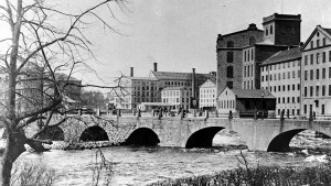 Bergsbron före 1901. Foto: Wilhelm Wiberg
