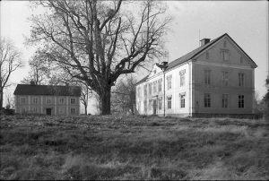 Händelö gård 1982. Ur Norrköpings stadsmuseums samlingar. Fotograf okänd
