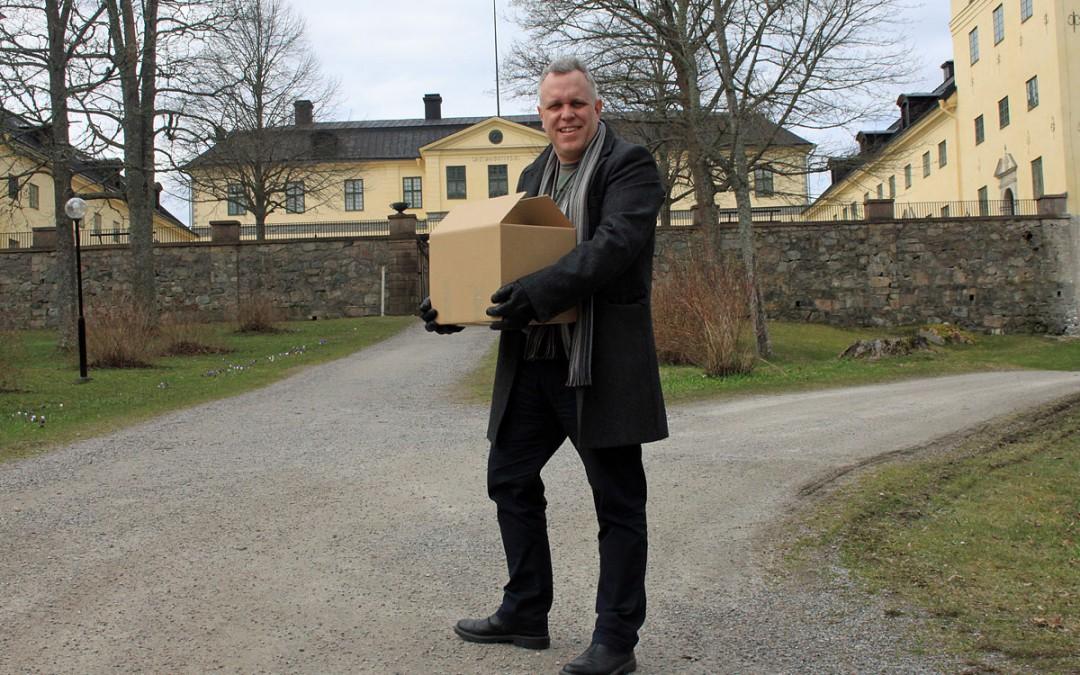 Nu säljs boken på Löfstad slott