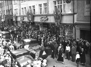 Invigning av varuhuset Tempo på Hospitalsgatan 1935.