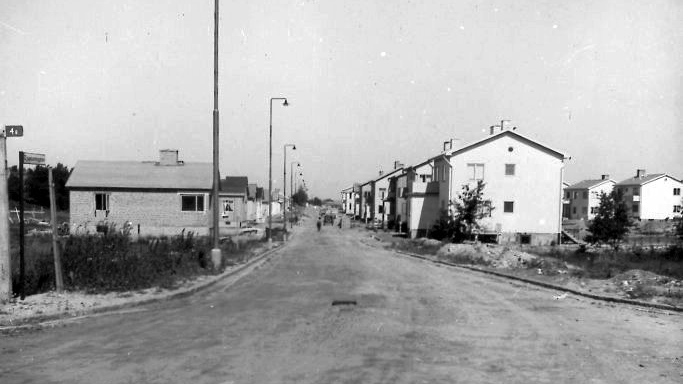Djupsundsgatan omkring 1947. Okänd fotograf. Ur Norrköpings stadsarkivs samlingar
