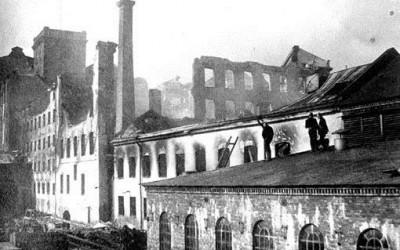 Tusentals åskådare följde 1902 års Bergsbrobrand