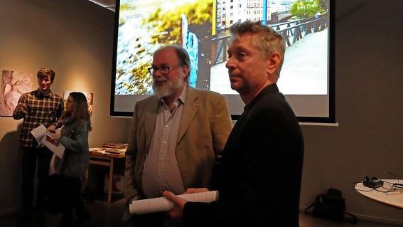 Stadsmuseets chef Bror Tommy Sturk och Tom Carlsson från stiftelsen Kulturmiljövård. Foto: Ann-Charlotte Sandelin/Kultursidan.nu