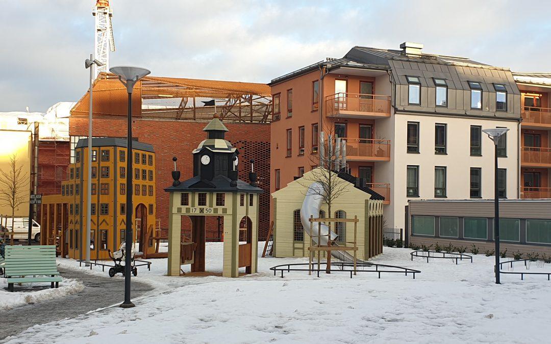 Lekplatsen i Mjölnareparken 2019. Foto: Peter Kristensson/Klingsbergs Förlag
