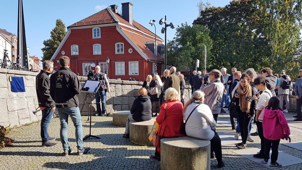 Invigningen av Kjell Norbergs plats den 25 september 2017. Foto: Peter Kristensson/Klingsbergs Förlag)