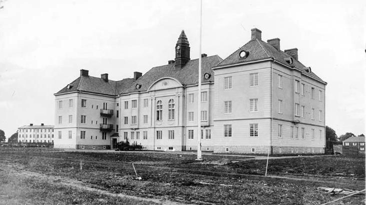Blomska stiftelsen vid Norra Promenaden i kvarteret Renen vid invigningen 1919. Foto: Gustaf Lidberg. Ur Norrköpings stadsarkivs samlingar