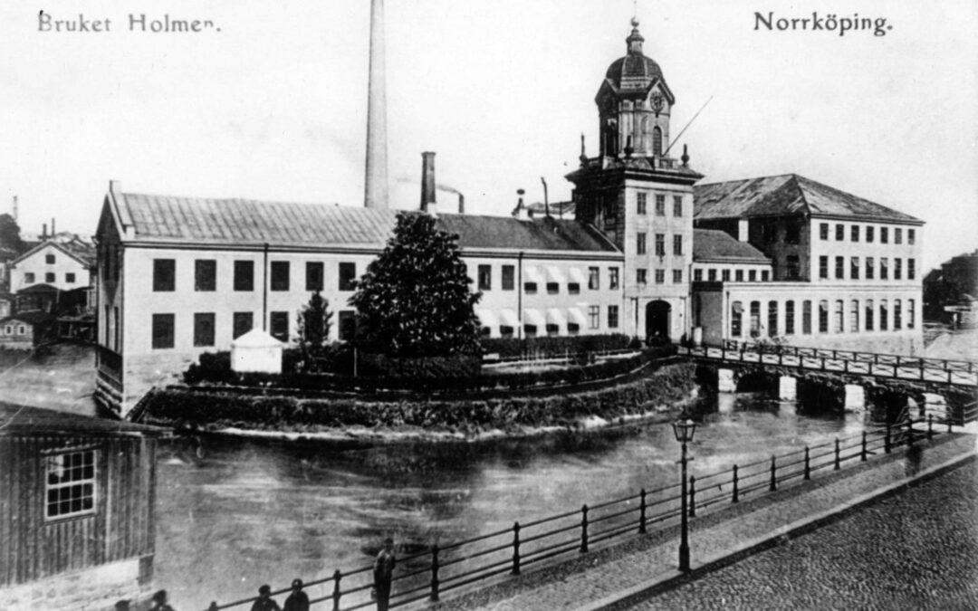 Holmens bruk på Kvarn holmen år 1896 i nuvarande kvarteret Kvarnholmen. Ur Norrköpings stadsarkivs samlingar