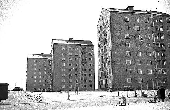Hyreshus på Sandbergsgatan i nuvarande kvarteret Kommunalrådet år 1952. Foto: Werngrens ateljé. Ur Norrköpings stadsmuseums samlingar