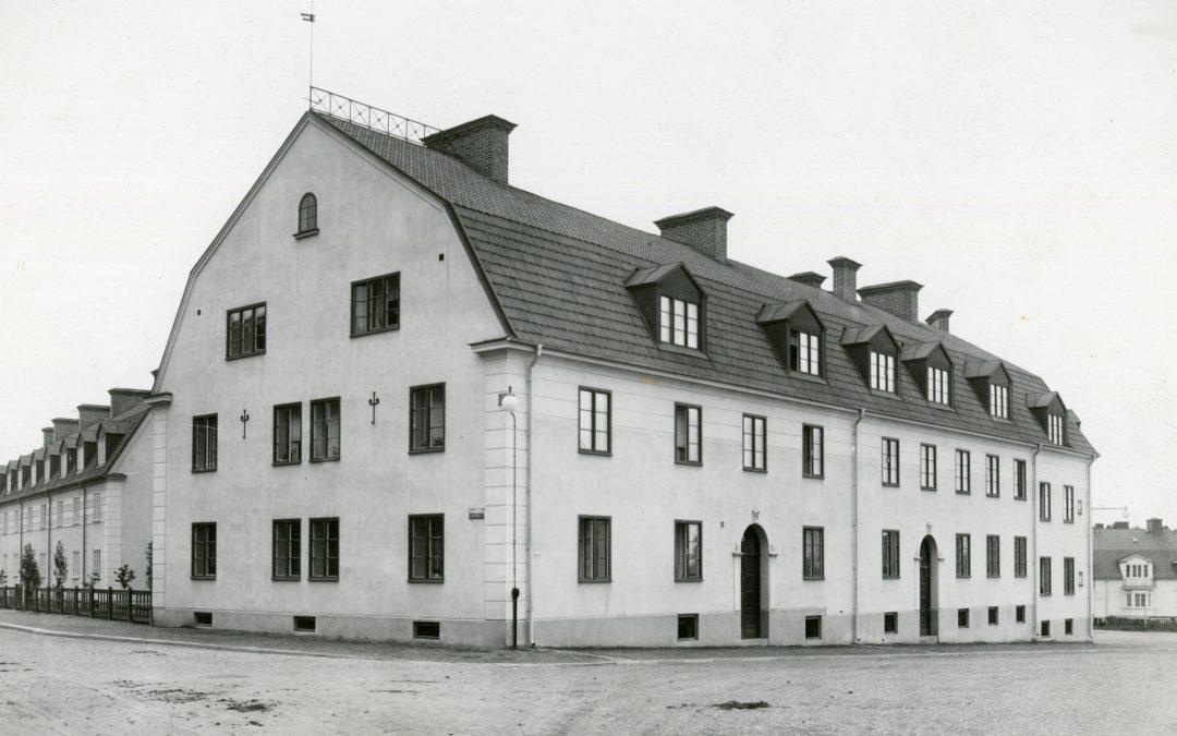 Kvarteret Kalven i korsningen Trozelligatan - Hörngatan. Okänd fotograf. Ur Norrköpings stadsarkivs samlingar
