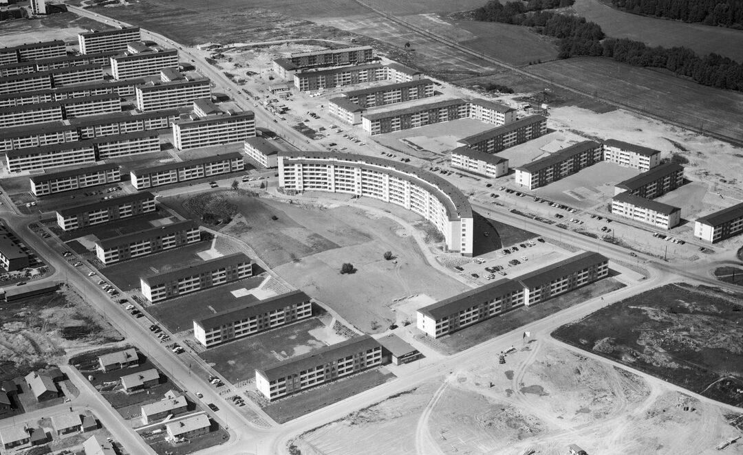 Kvarteret Niten vid Hagebygatan år 1964. Foto: AB Flygtrafik. Ur Östergötlands museums samlingar, CC BY-NC 4.0