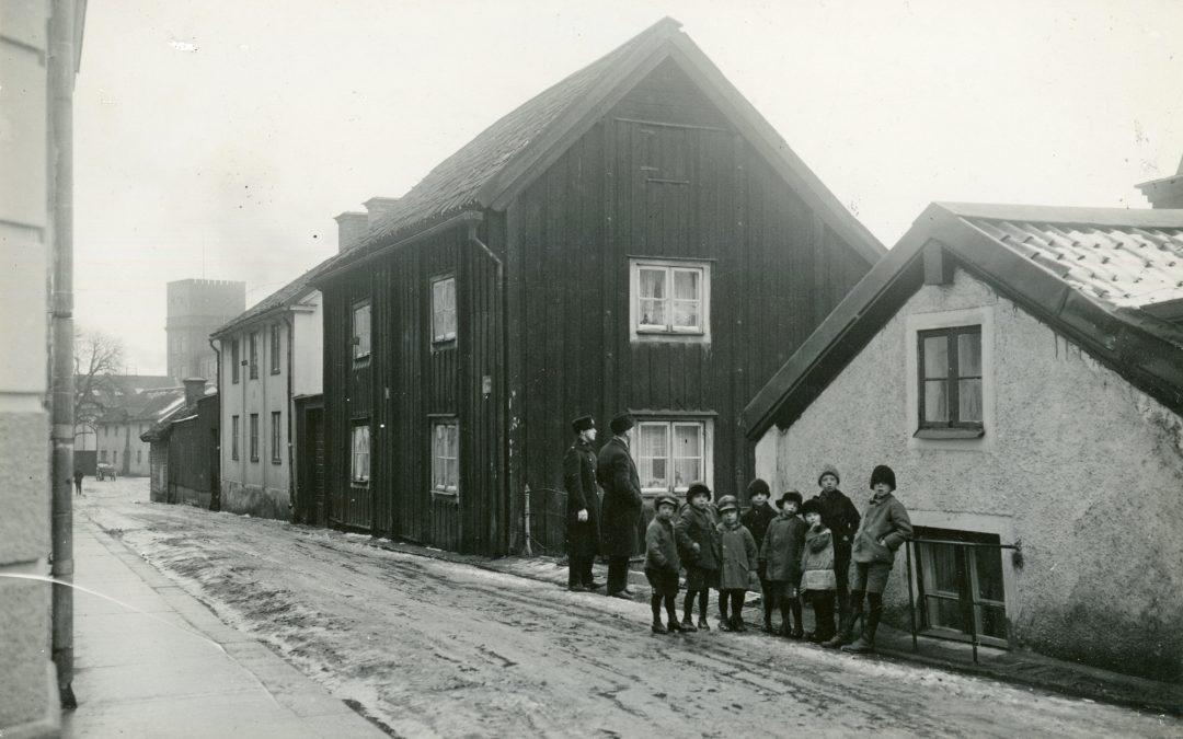 Norrköpings andra lasarett på Dragsgatan. Ur Stiftelsen Gammalt Hantverks samlingar, Norrköpings stadsarkiv |