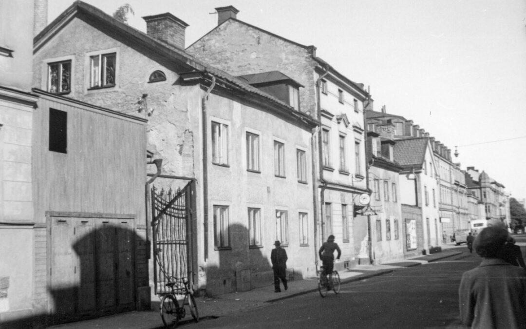 Repslagaregatan vid kvarteret Tunnan år 1953. Foto: Malmgren. Ur Östergötlands museums samlingar