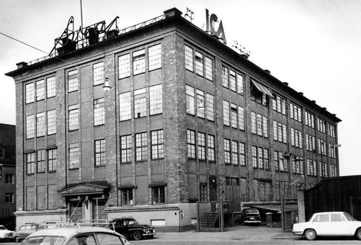 Svea Choklad på Tullhusgatan i kvarteret Exporten år 1966. Foto: Gustaf Larsson. Ur Norrköpings stadsarkivs samlingar