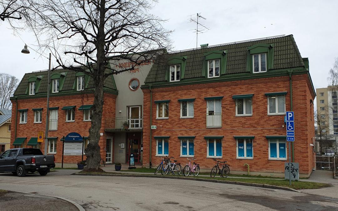 Vårdcentralen i Kneippen år 2020. Foto: Peter Kristensson/Klingsbergs Förlag