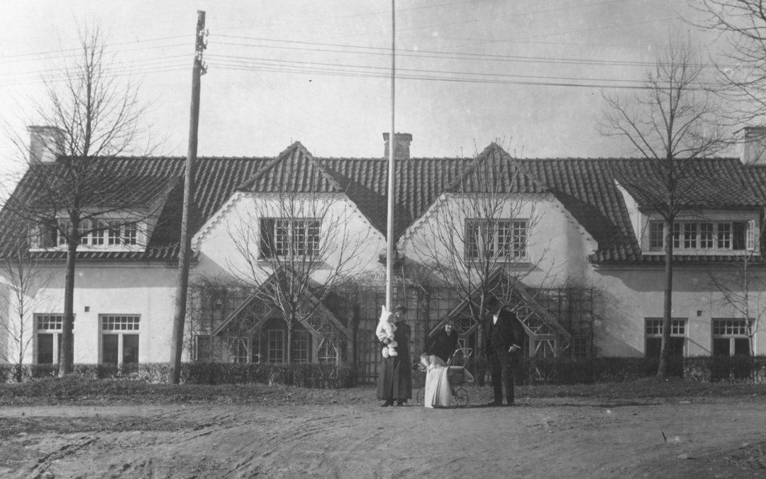 Villa Vesta påKneippgatan 46-48 i kvarteret Ålen år 1916. Ur Östergötlands museums samlingar
