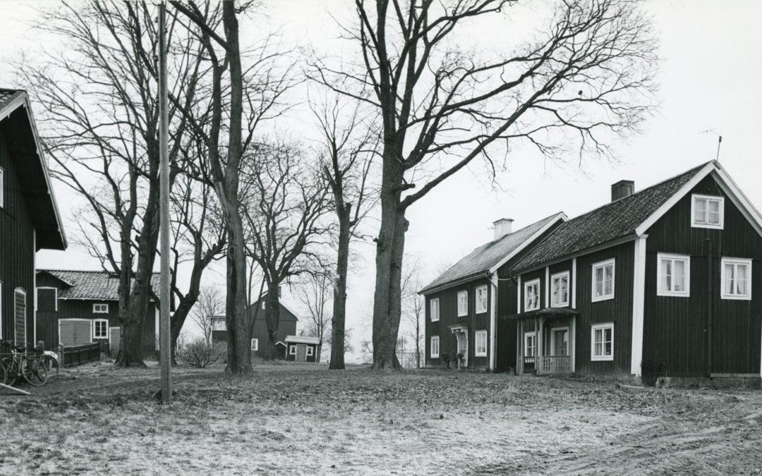 Vrinnevi gård i kvarteret Fritiden i Hageby. Foto: Gösta Nordin. Ur Norrköpings stadsarkivs samlingar