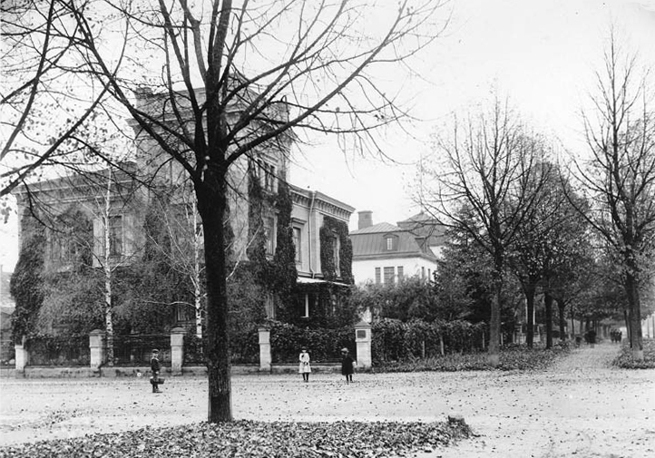 Villa Flora i kvarteret Blomman 1918. Foto: Gustaf Lidberg. Ur Norrköpings stadsarkivs samlingar