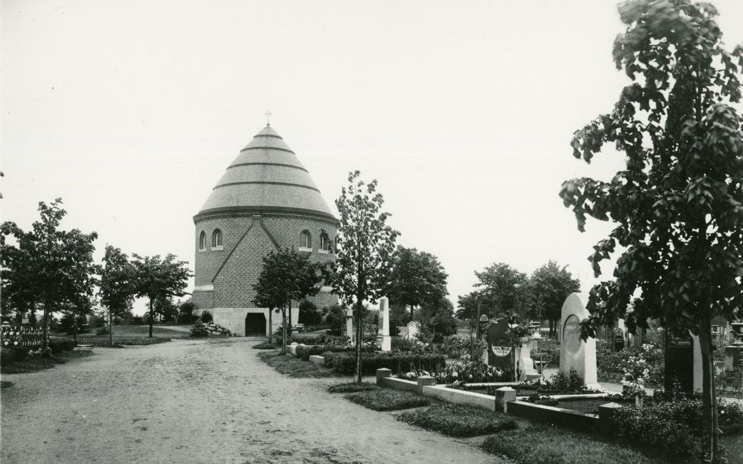 Kapellet på Norra begravningsplatsen år 1924. Foto: Gustaf Lidberg. Ur Norrköpings stadsarkivs samlingar
