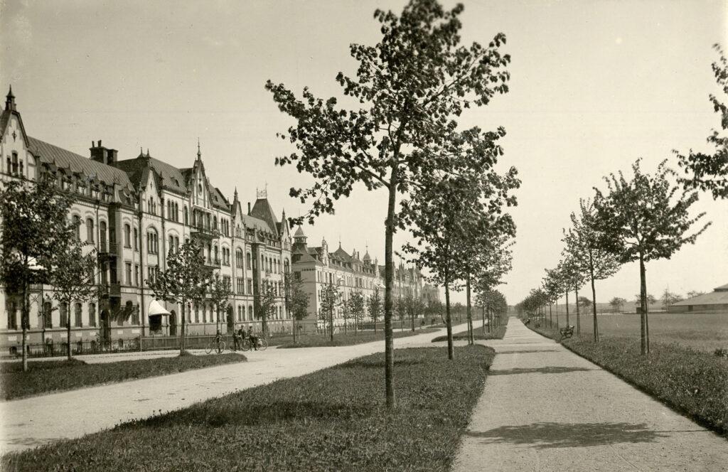 Södra Promenaden vid förra sekelskiftet. Foto: Carl Nilsson. Ur Norrköpings stadsarkivs samlingar